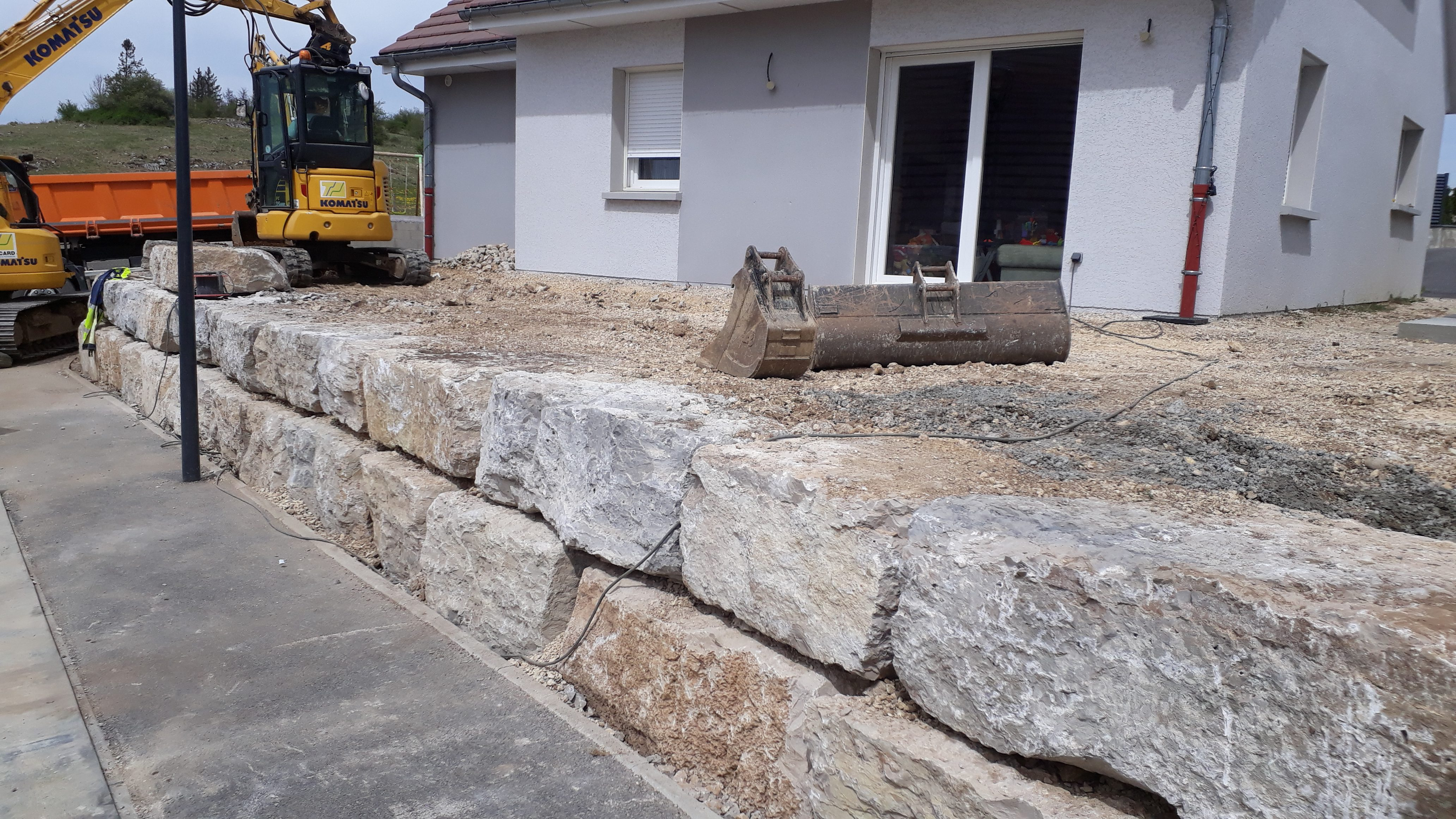enrochement-mur-beton-terrasse-exterieur-maison-travaux-publics-TP-pontarlier-doubs-franche-comte-07
