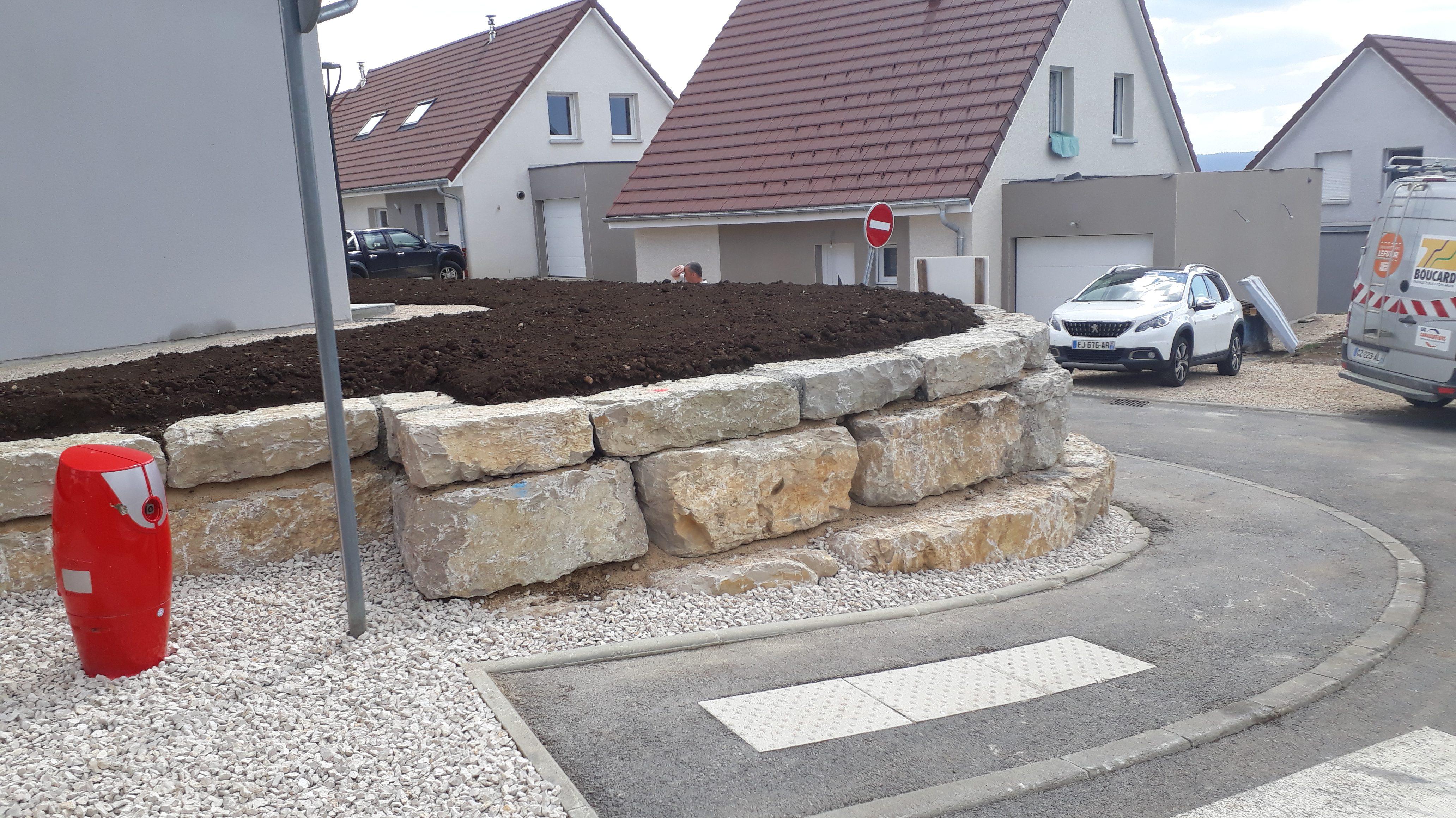 enrochement-mur-beton-terrasse-exterieur-maison-travaux-publics-TP-pontarlier-doubs-franche-comte-04